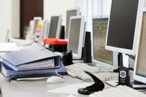 Специальное обслуживание компьютерной техники и сети предоставляет возможность работать с серверами и компьютерами максимально качественно. Передача информации, обработка данных, создание документов, таблиц и других компонентов максимально важна для каждого человека, поэтому обслуживание техники в компании должно проводиться вовремя и быть регулярным, иначе компьютер выйдет из строя и пройдет утеря всей важной информации